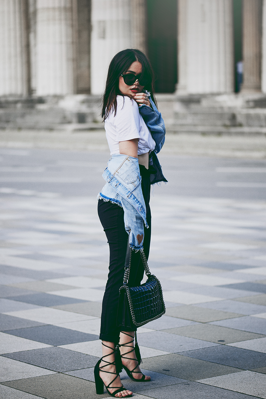 Fashion-Blog-München-Deutschland-Germany-Munich-Beauty-Travel-Lifestyle-Blogger-Magdalena-Fuez-Fuess-edited-the-label-edited-onlineshop-Le-Specs-Sonnenbrille-Blogger-Outfit-Levis-Jeansjacke-High-Waist-Hose-thesecondface