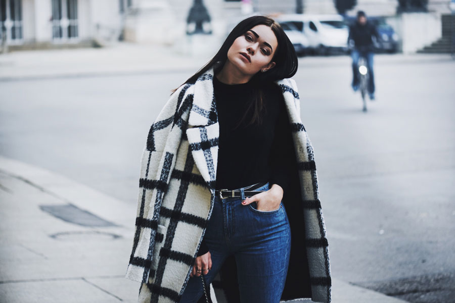 header-magdalena-fuess-fuez-thesecondface-fashionblog-fashion-blog-germany-munich-deutschland-winter-outfit-blogger-edited-the-label-edited-online-shop-noisy-may-mom-jeans
